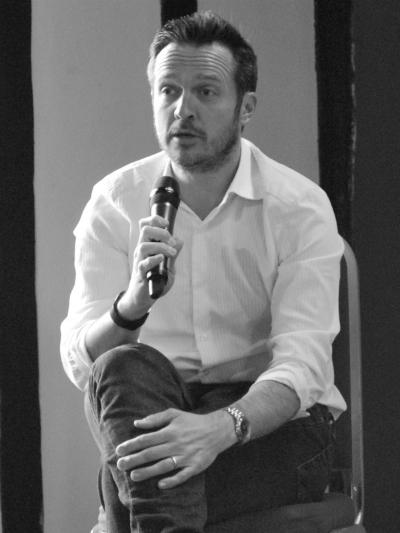 Simon on event panel